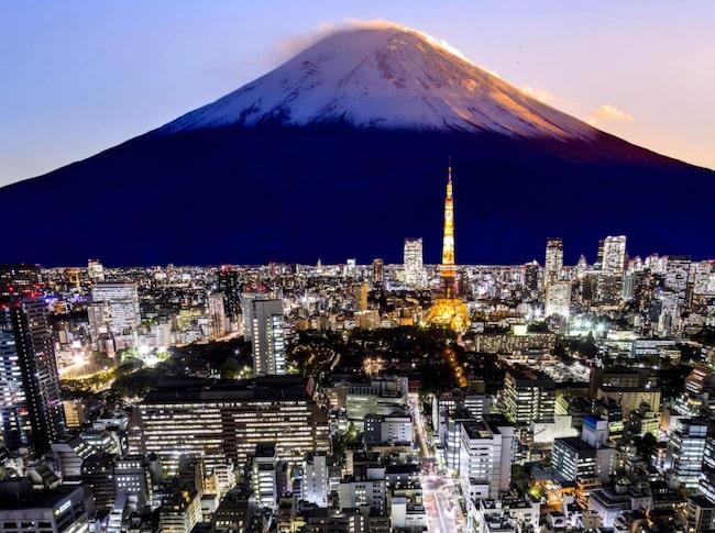 <span>I Tokyo är det till exempel en hederssak att hjälpa turister. Oavsett om man förstår vad de säger eller inte.</span>