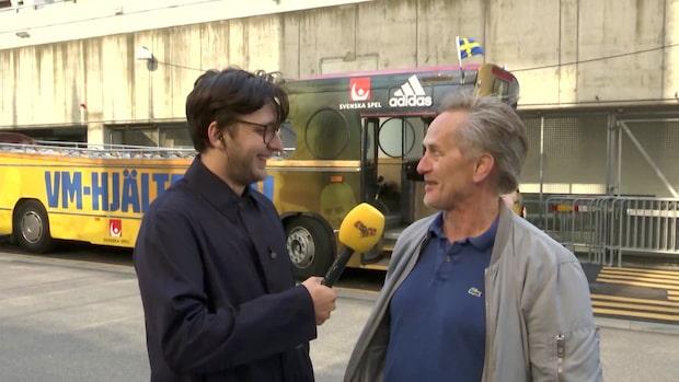 Supportern Dick ska cykla efter landslagsbussen