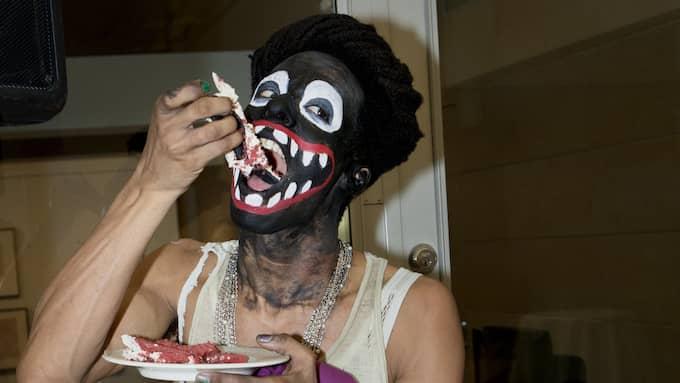 Och här är det Makode Linde själv som äter. Foto: KRISTOFER SJÖGREN