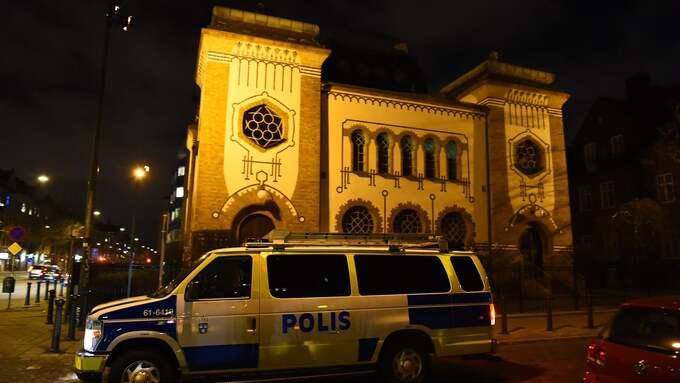 Synagogan i Malmö. Efter terrorattacken i Köpenhamn, då en vakt mördades vid en byggnad som tillhör judiska församlingen, höjde svensk polis bevakningen av synagogan i Malmö. Foto: ANDREAS HOLM / NEWSFOTO.SE