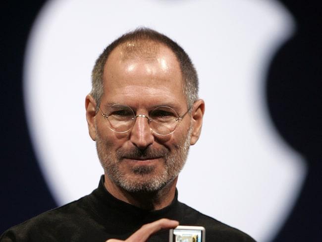 Steve Jobs under sin tid som vd för Apple. Här visar han iPod Nano under en presskonferens 2007.