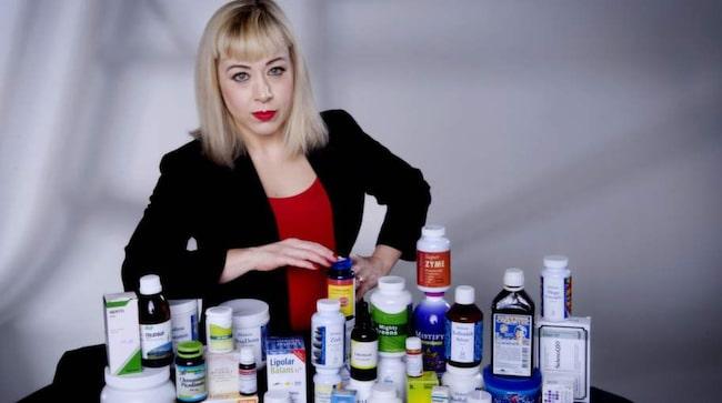BLUFF OCH BåG. Expressens reporter Anna Bäsén har - i sex delar - avslöjat alternativmedicinare med hjälp av en dold kamera.. Foto: ROBBAN ANDERSSON