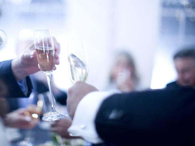 Få saker är lika förknippade med festligheter som mousserande vin.