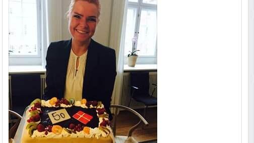 """""""I dag fick jag igenom den 50:e förändringen för att skärpa kontrollen av invandringen. Detta måste firas!"""", skriver danska migrationsministern Inger Støjberg på tisdagen på sin Facebooksida."""