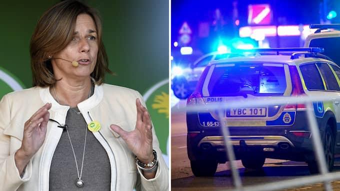 När Sverige skakas av gängmord, handgranatsattacker och ett ökat antal sexualbrott verkar Miljöpartiet ha retirerat in på den relativistiska vägen igen. Foto: ULF PALM/TT & JOHAN NILSSON/TT