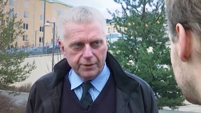 Polisen Åke Rimborn identifierade Olof Palme efter mordet. Det var också han som höll de första, viktiga samtalen med huvudvittnet Lisbet Palme. Nu berättar han om mordnatten och varför han står fast vid uppgiften att Lisbet Palme såg två gärningsmän.