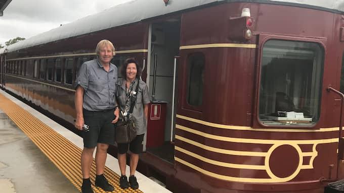 Lokförare Geoff Clark och tågvärdinnan Mandy Hayward har bara fått positiv respons från passagerarna. Foto: ÅSA ASPLID