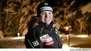 SPORT-Expressen avslöjade i tisdags att Anja Pärson var på jakt efter sina gamla störtloppsskidor. I går berättade detektiven Jerome Avocat att de var försvunna men i natt fick supersvenskan beskedet att skidorna var återfunna.