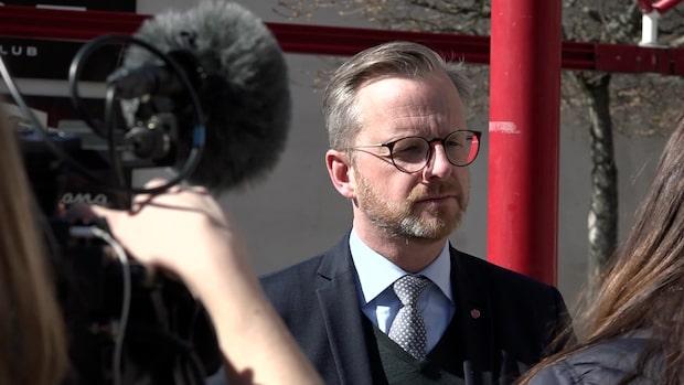 Efter skjutningarna - inrikesministern besökte Sätra