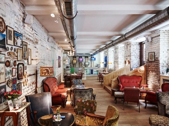 Sacher är en av Wiens mest kända specialiteter. Den hittar du på kaféet Vollpension.