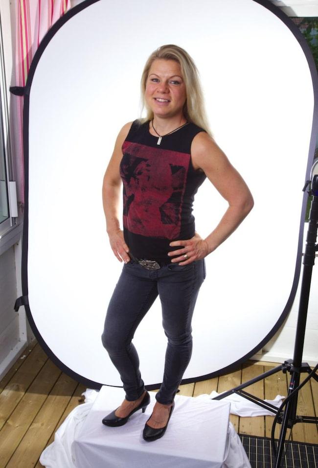 """Rasat i vikt. Anna Haeggman, 33, från Karlskoga, har sett de positiva effekterna av den nya dieten: """"I dag har jag plockat bort vete - bröd, pasta allt sådant, och från att jag började på 72 kilo innan jag var gravid, så väger jag i dag 55 kilo"""", säger hon.. Foto: mats endermark"""