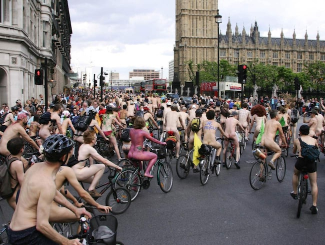I veckoslutet hålls Londons nakenlopp för cyklister.