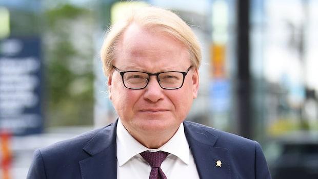 """Peter Hultqvist (S) om ryska kränkningen: """"Strider mot internationella regelverk"""""""