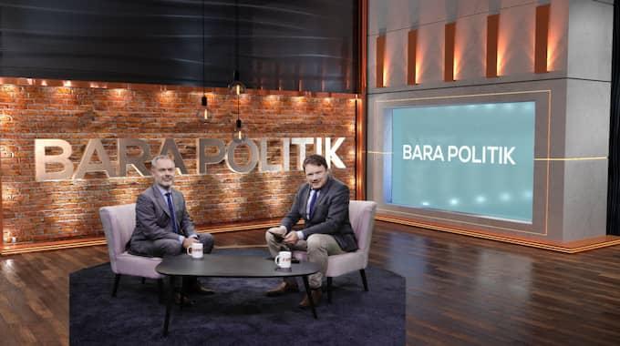 """Jan Björklund hos Expressens Niklas Svensson i """"Bara politik"""" – som sänds i kväll."""