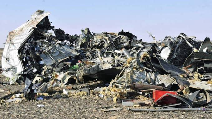 Olycksplatsen efter att flygplanet störtat. Foto: Str / Epa / Tt