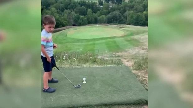 Vad hände precis? Fyraåringen viral efter fullträffen
