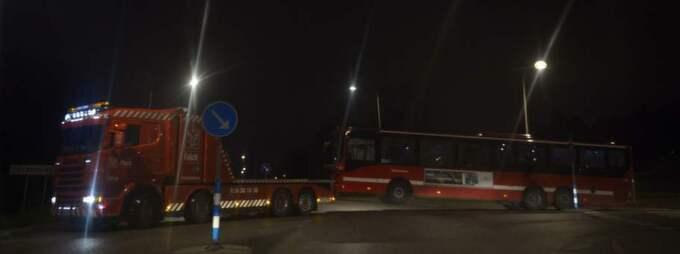 Ett 20-tal bilar har utsatts för skadegörelse och det har förekommit stenkastning mot en linjebuss. Foto: Anna-Karin Nilsson
