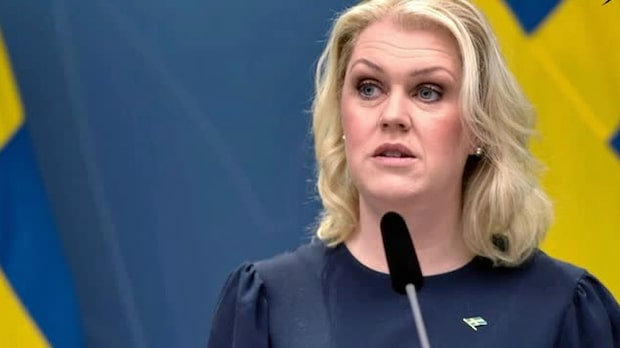 """Socialministern: """"Regeringen vill agera kraftfullare"""""""