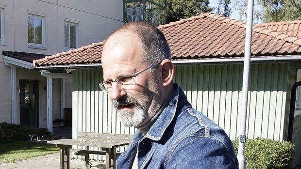 Polisen anmäler polisen Peter Springare