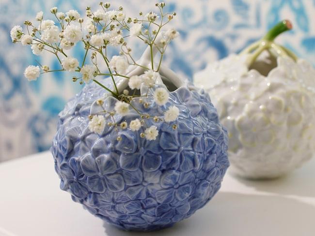 Små vaser inspirerade av hortensiablommor, 645 kronor styck, Royal Copenhagen.