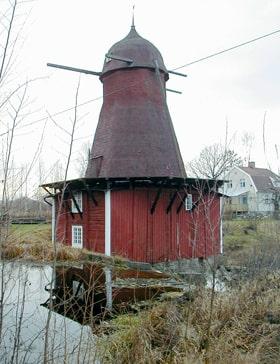 Kvarnen som blivit föremål för Ernst byggdes i mitten av 1800-talet.