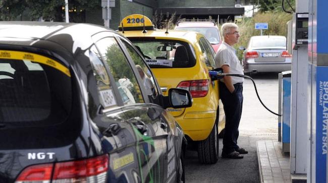 <span>Något som bromsar att fler köper miljöbilar är att det finns en osäkerhet om hur tillgången på till exempel gas är på våra mackar.</span>