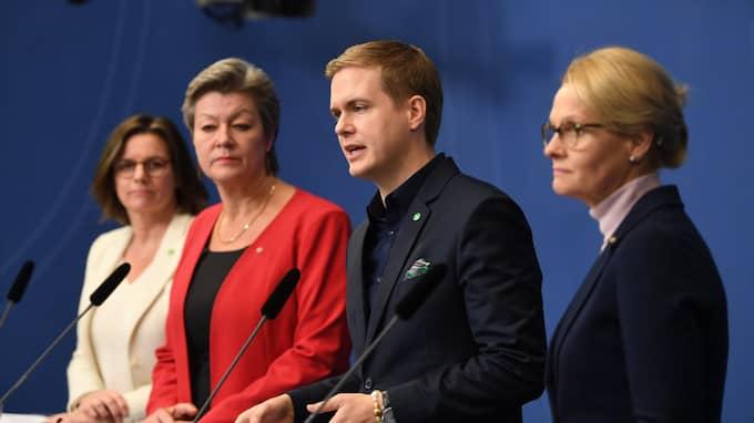 Vad kostnaden blir för uppgörelsen om de ensamkommande, kunde ingen ministrarna på Rosenbads scen svara på. Foto: HENRIK MONTGOMERY/TT
