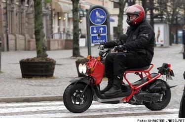 Honda Zoomer - vårens kaxigaste moppe. Och sällsynt kul att köra.