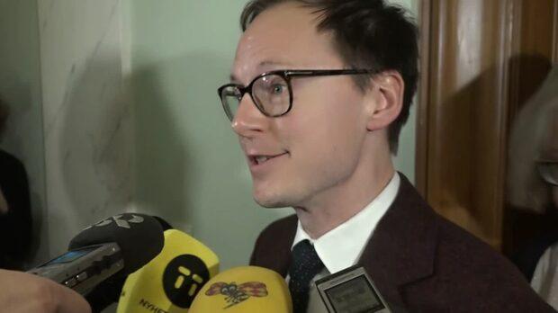 Mats Persson, L: Vi röstar på vår egen budget
