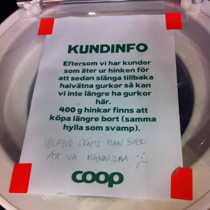Efter flera överträdelser från kunderna väljer Coop på Backaplan att sluta sälja saltgurka på lösvikt. Foto: Twitter/@AblinAc