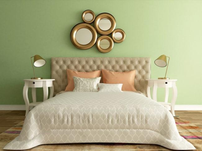 <span>Se till att ha ljusa färger i sovrummet – det gör dig lugn och harmonisk.<br></span>