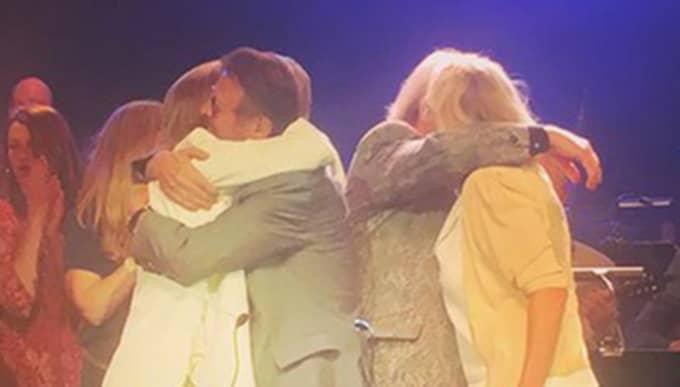 Alla Abba-medlemmar på scenen samtidigt. Bild från Per Sundins Instagramkonto @perurban