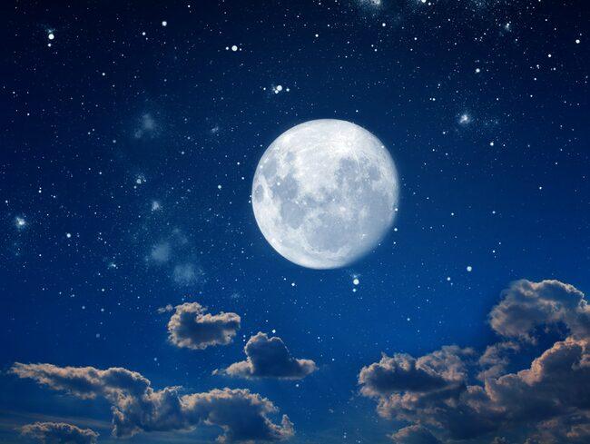 Den fejkmåne som planeras ska lysa upp till åtta gånger så starkt som den riktiga månen.