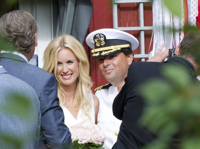 Jenny Östergren och Niklas Strömstedt gifte sig framför 120 gäster. Foto: Sara Strandlund