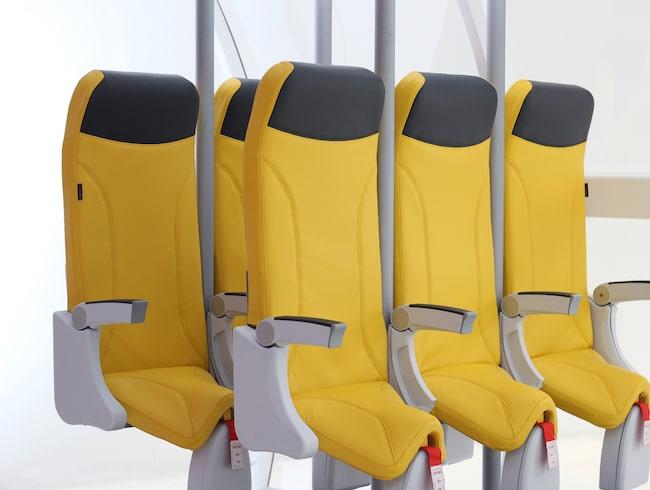 Firman Aviointeriors har designat ståplatser för flyg.
