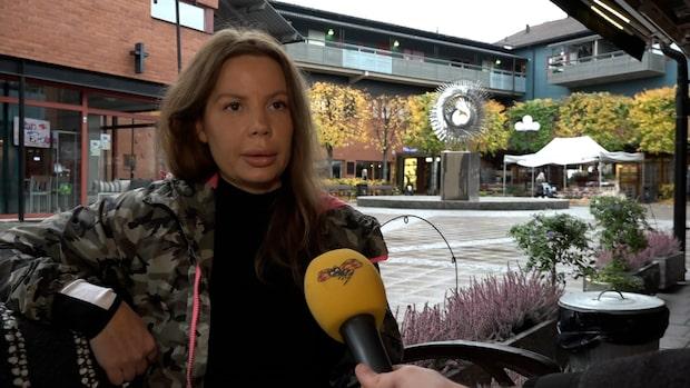 Charlotta bostadslös med sonen efter makens död