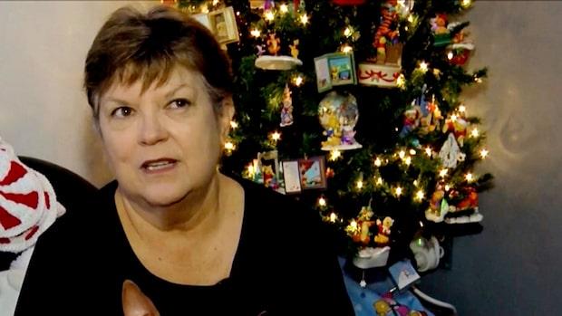 Galen i jul: Hon har 106 julgranar i sitt hus
