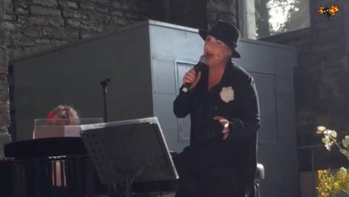 Bilder från Josefin Nilssons sista uppträdande i somras. Du kan se hela spelningen på Expressen TV.