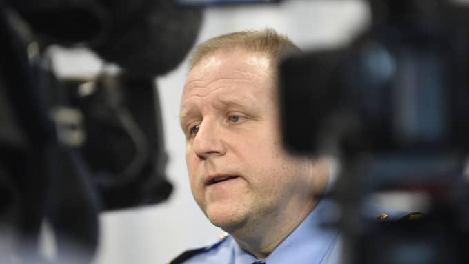 Malmös polismästare Stefan Sintéus vid måndagens pressträff i Malmö i samband med inrikesminister Anders Ygemans (S) besök. Foto: BJÖRN LINDGREN/TT