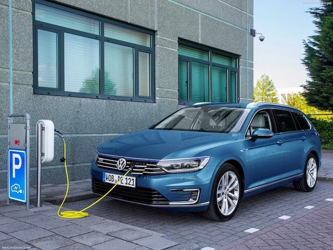 Volkswagen Passat GTE toppar listan över sålda supermiljöbilar i februari.