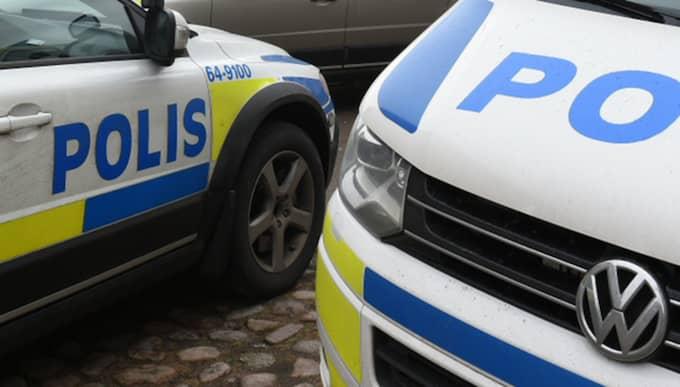 Polisen har spärrat av platsen. Foto: Andre Tajti
