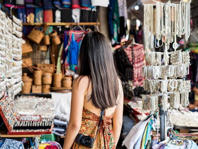En Bali-turist uppger att han upptäckt ett utbrett system bland gatuförsäljarna.