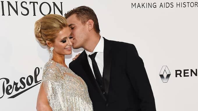 Paris Hilton och Chris Zylka visar upp sin kärlek Foto: BUCKNER/VARIETY/REX/SHUTTERSTOC / BUCKNER/VARIETY/REX/SHUTTERSTOCK REX FEATURES