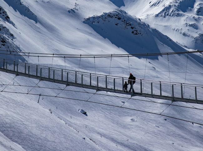 Vid Stuberkogel kan du gå över Europas högst belägna hängbro.
