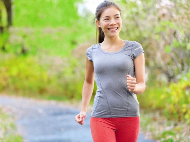 <span>En halvtimmes snabb promenad om dagen förbättrar hälsan dramatiskt, menar professor Carl Johan Sundberg.</span>