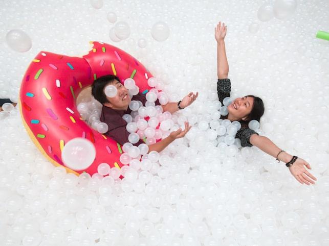 Bada i ett bollhav – det är en magisk ny skapelse som nu turnerar världen runt och gläder barn i alla åldrar.
