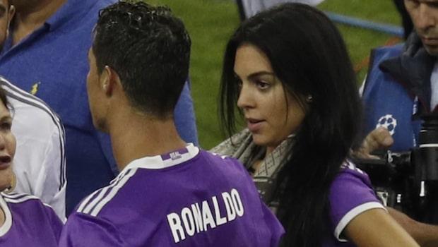Ronaldos flickvän stöttas inte av familjen