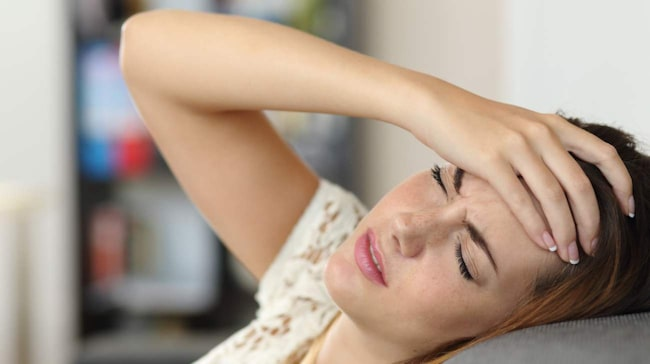 <span>För mycket eller för lite sömn är vanlig orsak till att det gör ont i huvudet när du vaknar.</span>