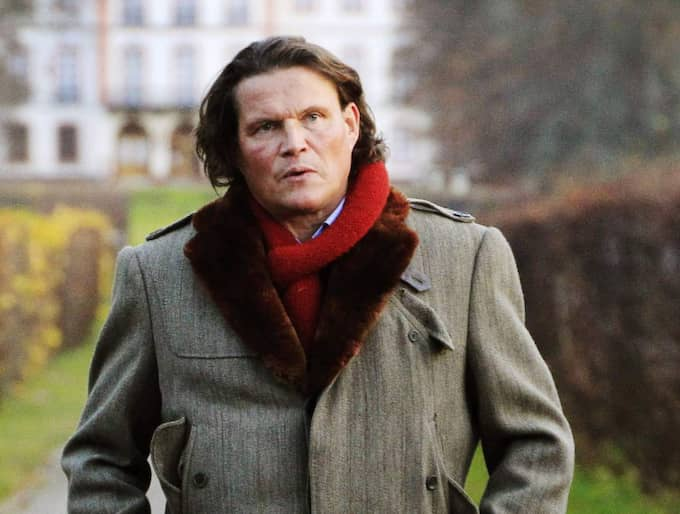 Per Morberg säljer en skärbräda för 4000 kronor – nu svarar han på kritiken om priset. Foto: Cornelia Nordström