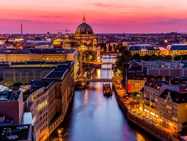 Hur lång tid tar det med tåg och flyg till Berlin?